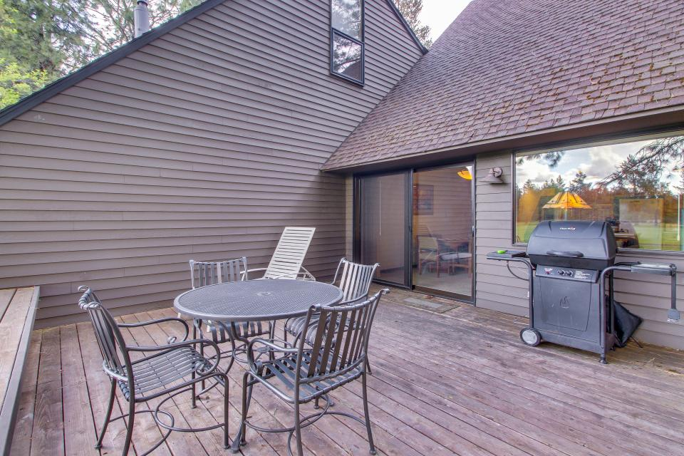 Mt View 7 | Discover Sunriver - Sunriver Vacation Rental - Photo 11