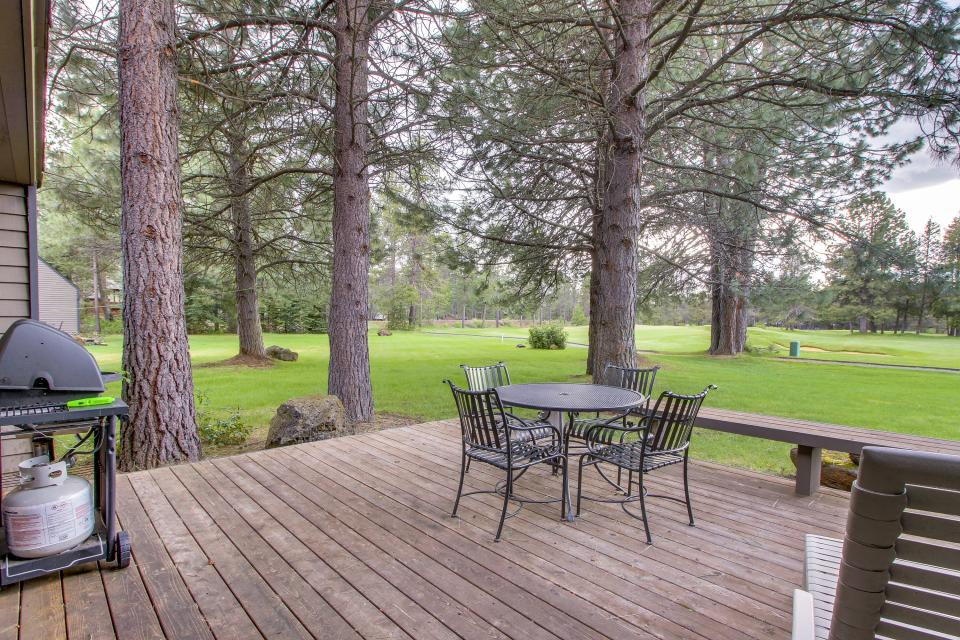 Mt View 7 | Discover Sunriver - Sunriver Vacation Rental - Photo 12