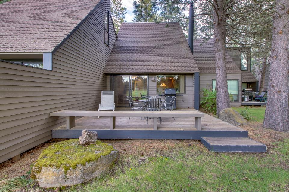 Mt View 7 | Discover Sunriver - Sunriver Vacation Rental - Photo 25