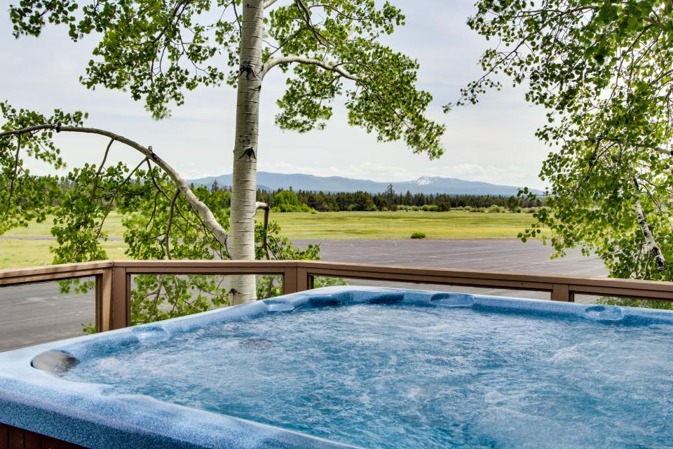 River Road 11 | Discover Sunriver - Sunriver Vacation Rental - Photo 3