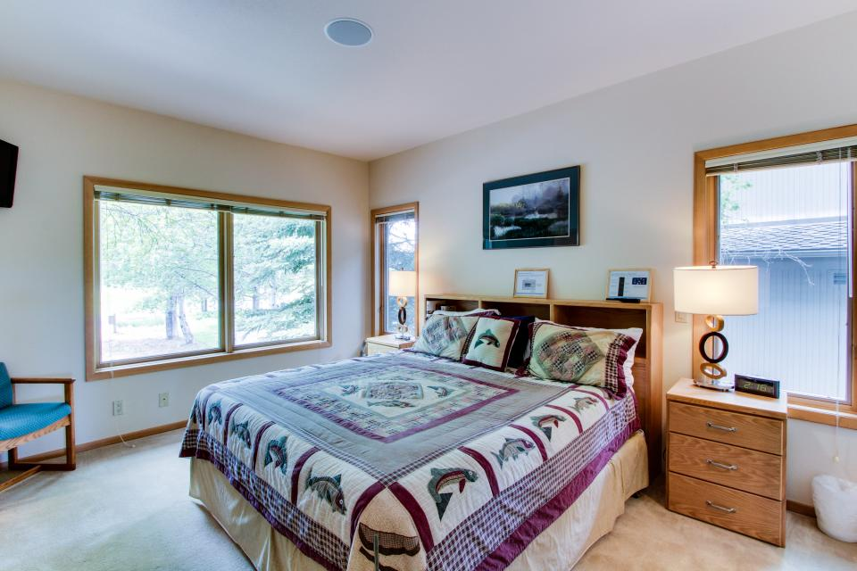 River Road 11 | Discover Sunriver - Sunriver Vacation Rental - Photo 20