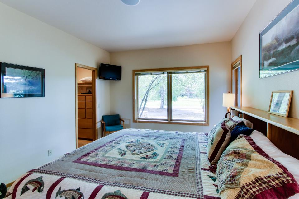 River Road 11 | Discover Sunriver - Sunriver Vacation Rental - Photo 55