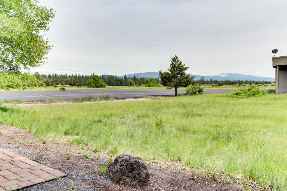 River Road 11 | Discover Sunriver - Sunriver Vacation Rental - Photo 39