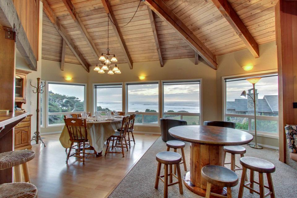 The Yaquina House - Newport Vacation Rental - Photo 7
