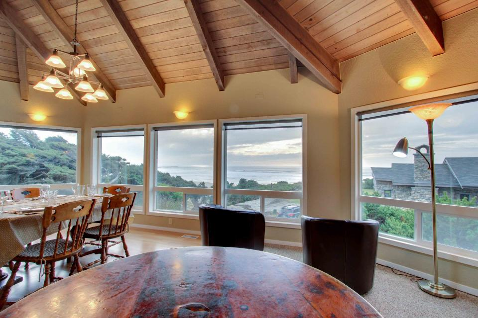 The Yaquina House - Newport Vacation Rental - Photo 8