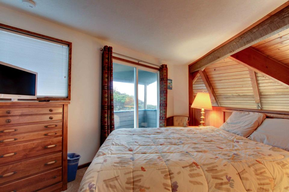 The Yaquina House - Newport Vacation Rental - Photo 18