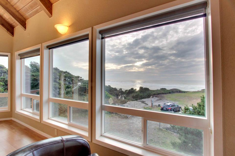 The Yaquina House - Newport Vacation Rental - Photo 9