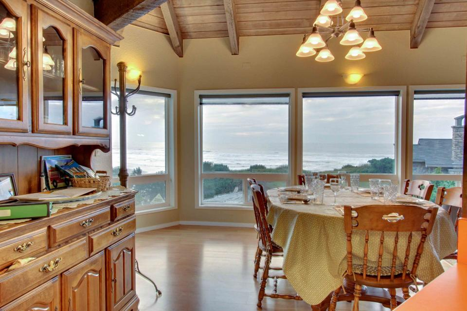 The Yaquina House - Newport Vacation Rental - Photo 10