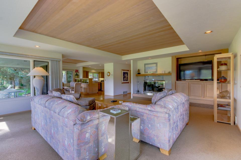 Winners Circle Lane 28 | Discover Sunriver - Sunriver Vacation Rental - Photo 9