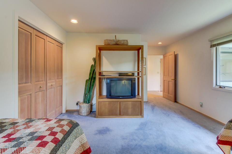 Winners Circle Lane 28 | Discover Sunriver - Sunriver Vacation Rental - Photo 50