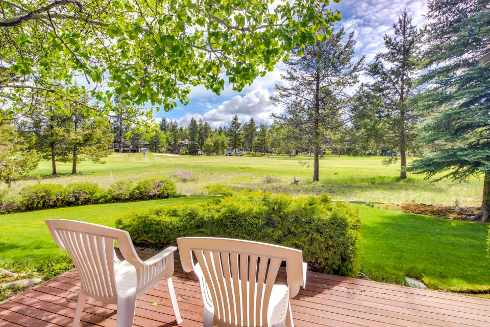 Winners Circle Lane 28 | Discover Sunriver - Sunriver Vacation Rental - Photo 1