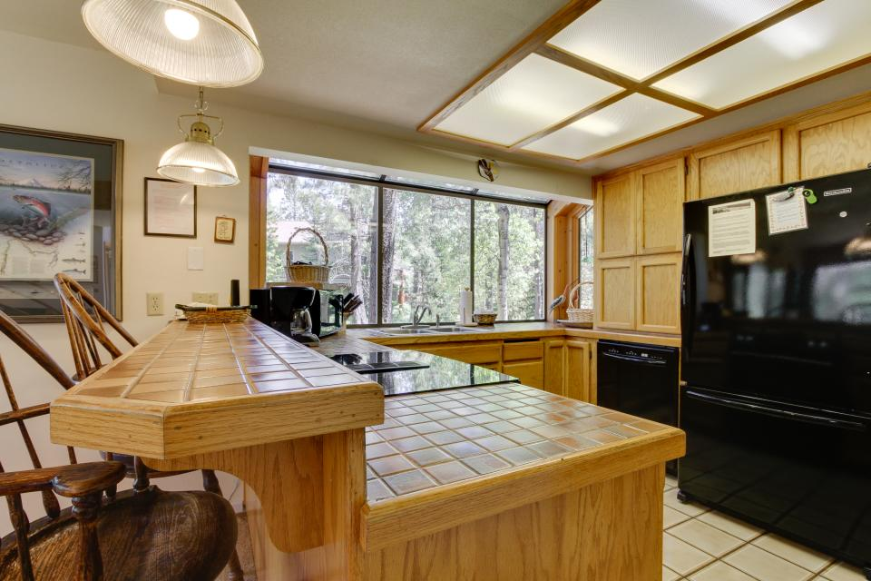 Golden Eagle Lane 17 | Discover Sunriver - Sunriver Vacation Rental - Photo 10
