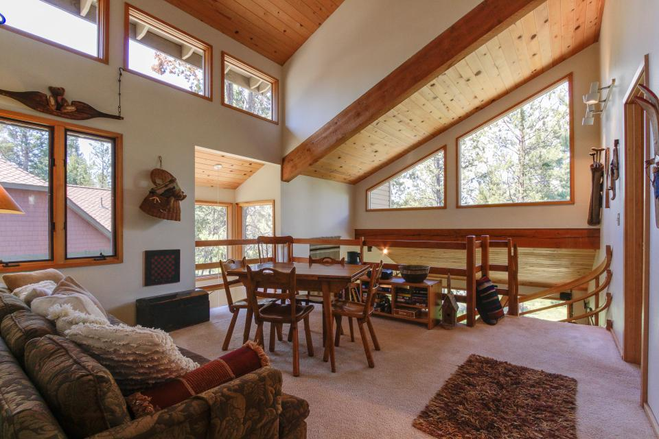 Golden Eagle Lane 17 | Discover Sunriver - Sunriver Vacation Rental - Photo 21
