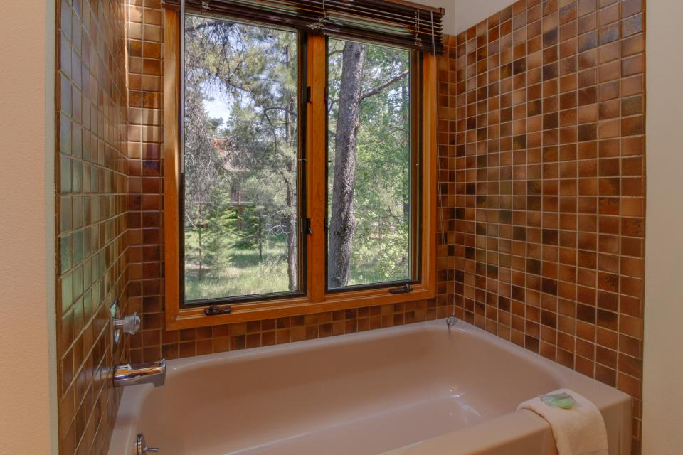Golden Eagle Lane 17 | Discover Sunriver - Sunriver Vacation Rental - Photo 27