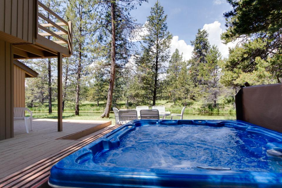 Golden Eagle Lane 17 | Discover Sunriver - Sunriver Vacation Rental - Photo 4