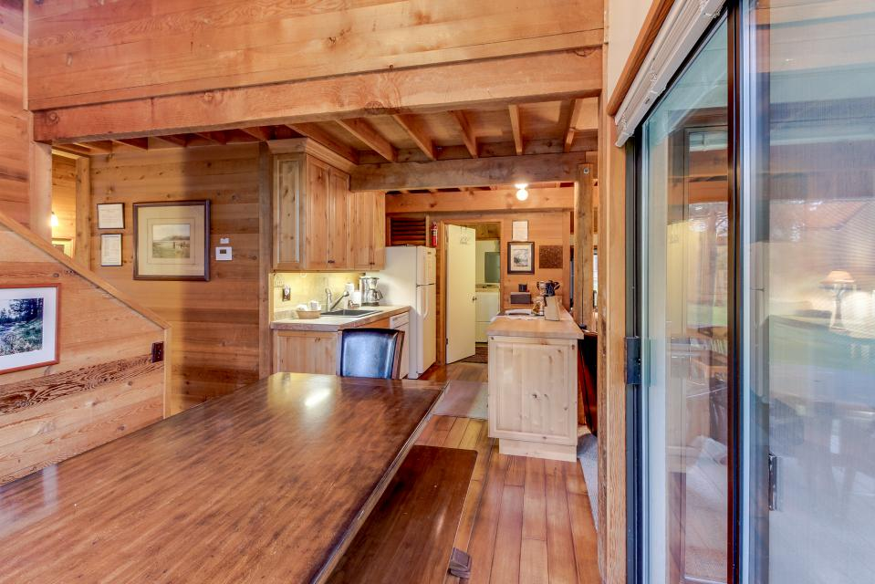 Ranch Cabin 12 | Discover Sunriver - Sunriver Vacation Rental - Photo 9