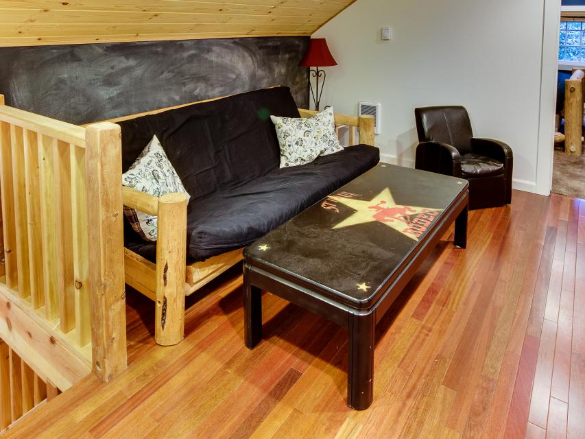 The Sharp Cabin - Rhododendron Vacation Rental - Photo 19