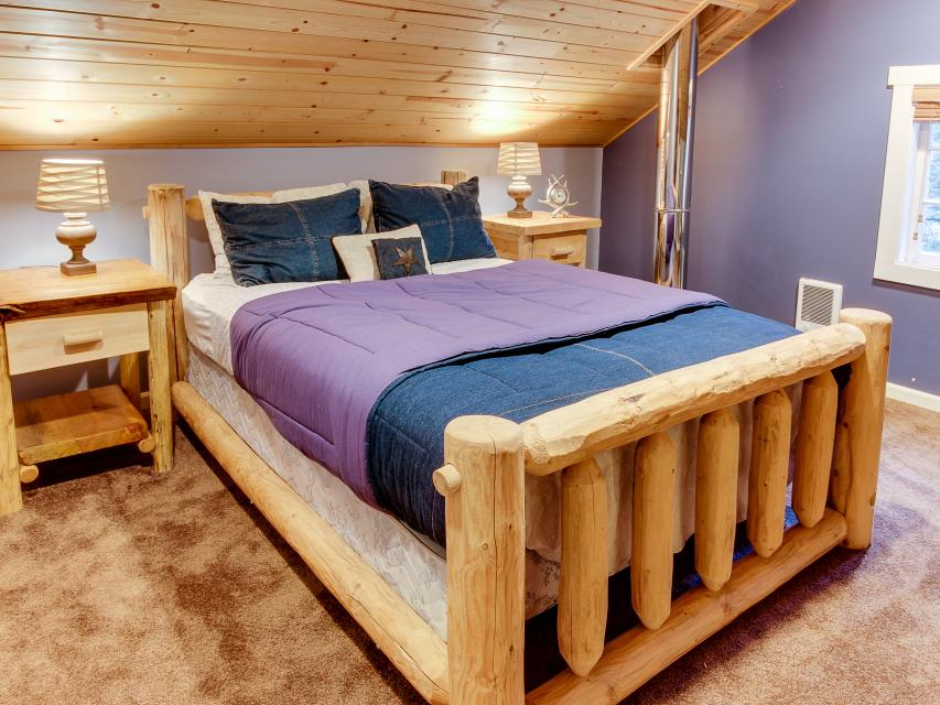 The Sharp Cabin - Rhododendron Vacation Rental - Photo 17