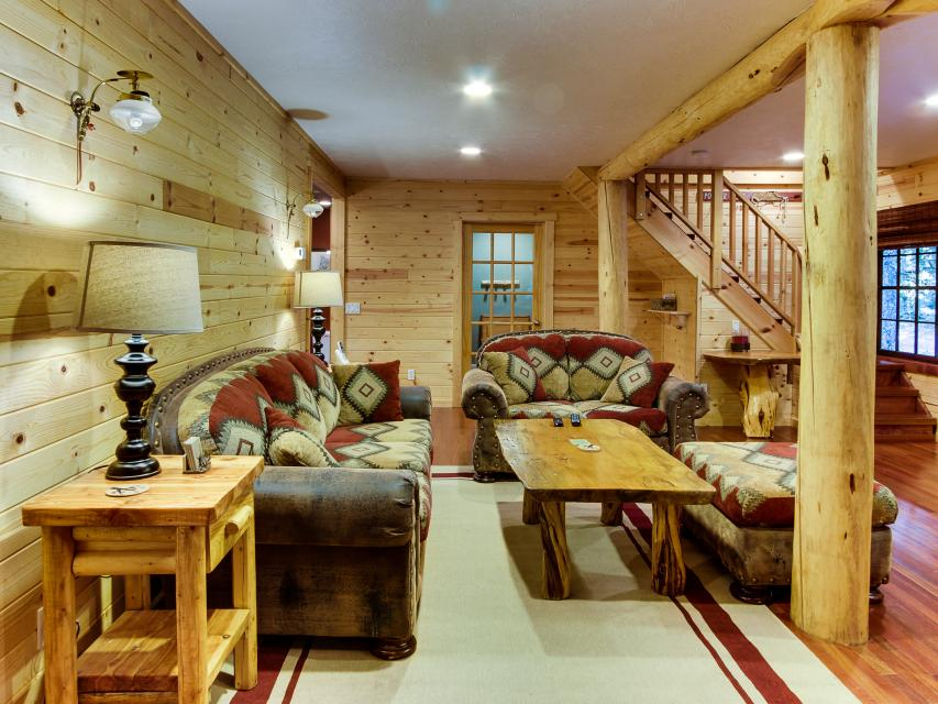 The Sharp Cabin - Rhododendron Vacation Rental - Photo 7