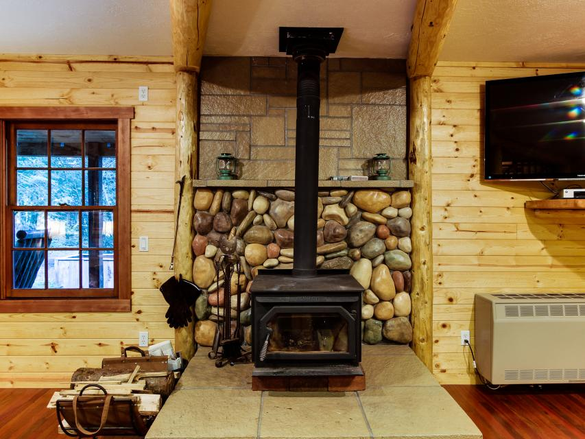 The Sharp Cabin - Rhododendron Vacation Rental - Photo 10