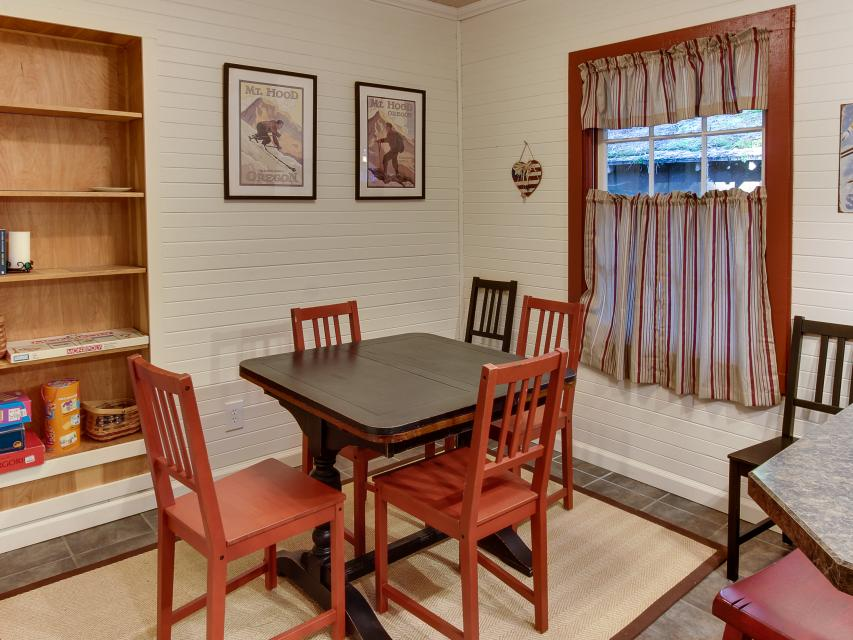 The Sharp Cabin - Rhododendron Vacation Rental - Photo 14