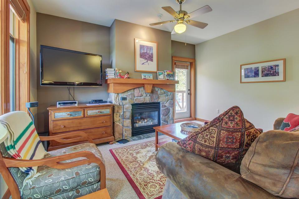 Eagle Springs West 102: Song Sparrow Suite - Solitude Vacation Rental - Photo 2