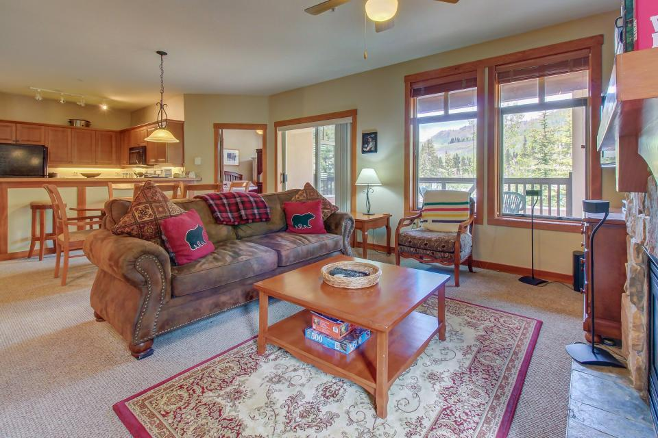 Eagle Springs West 102: Song Sparrow Suite - Solitude Vacation Rental - Photo 1