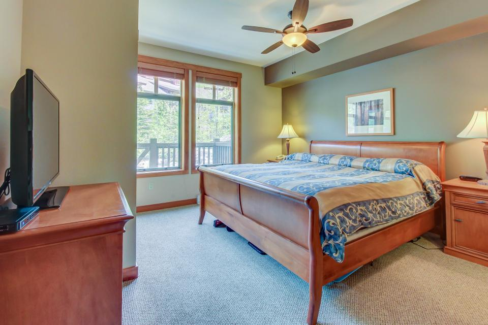Eagle Springs West 102: Song Sparrow Suite - Solitude Vacation Rental - Photo 17