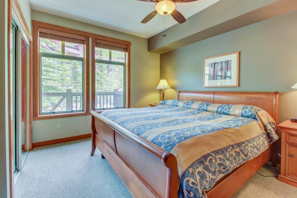 Eagle Springs West 102: Song Sparrow Suite - Solitude Vacation Rental - Photo 18