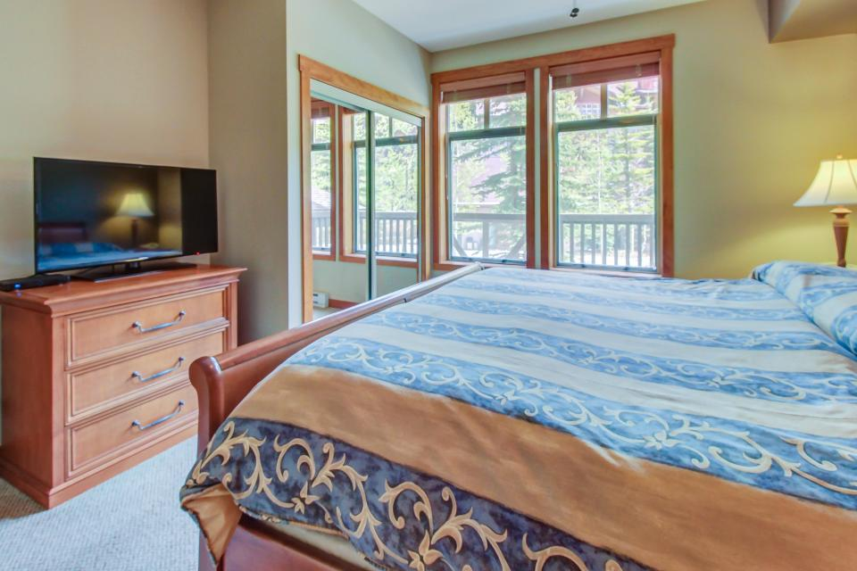 Eagle Springs West 102: Song Sparrow Suite - Solitude Vacation Rental - Photo 19