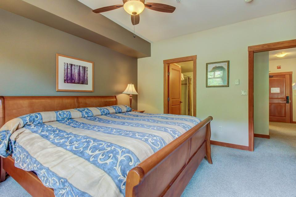 Eagle Springs West 102: Song Sparrow Suite - Solitude Vacation Rental - Photo 20