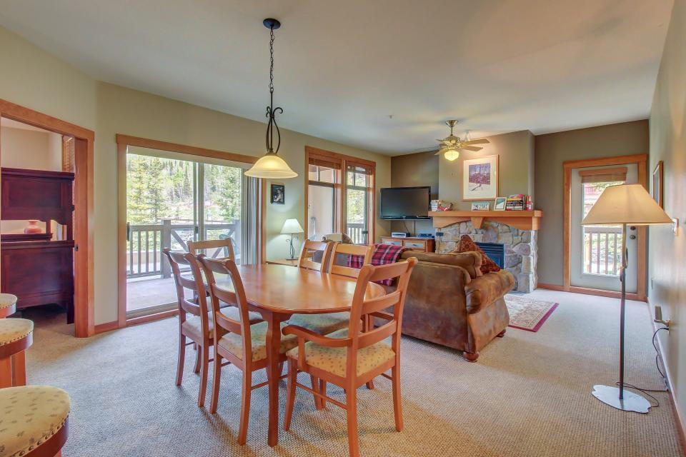 Eagle Springs West 102: Song Sparrow Suite - Solitude - Take a Virtual Tour