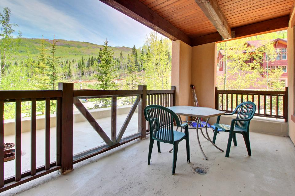 Eagle Springs West 102: Song Sparrow Suite - Solitude Vacation Rental - Photo 7