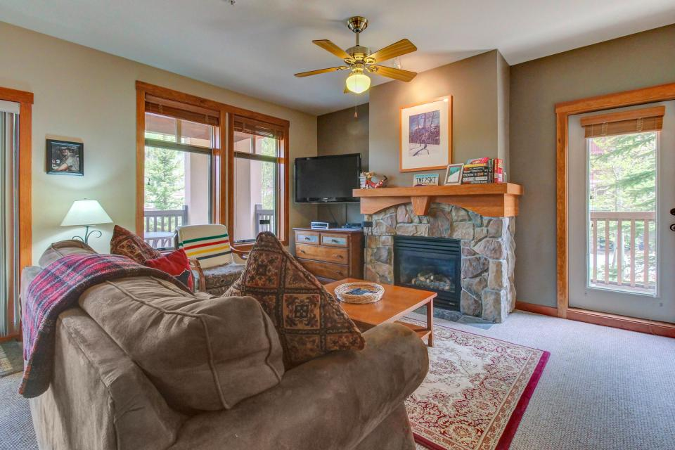 Eagle Springs West 102: Song Sparrow Suite - Solitude Vacation Rental - Photo 6