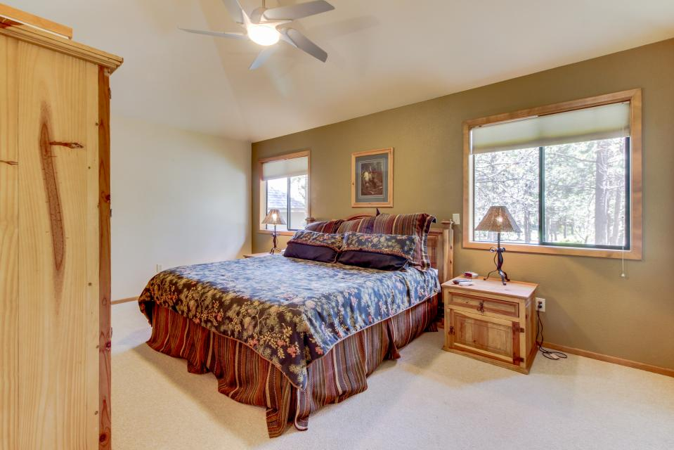 Big Leaf Lane 04 | Discover Sunriver - Sunriver Vacation Rental - Photo 34