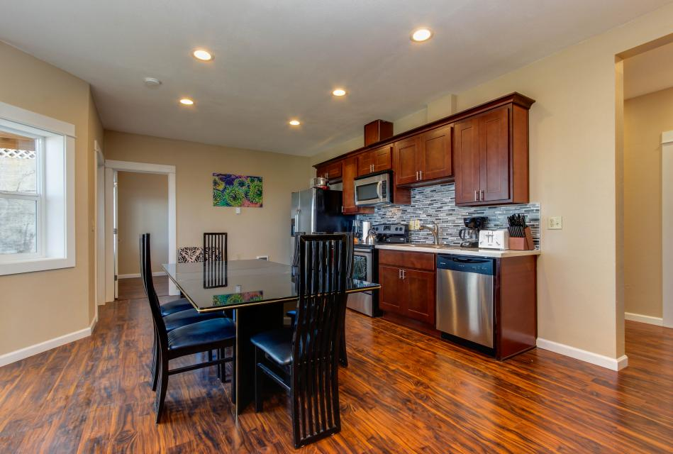 The Whale (Lower) - Lincoln City Vacation Rental - Photo 1