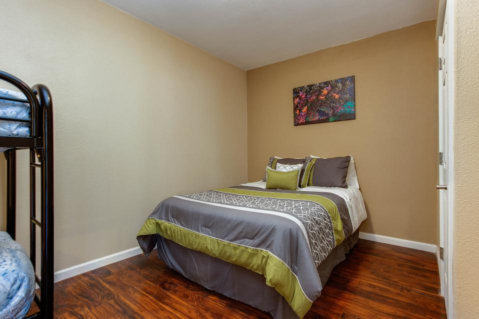 The Whale (Lower) - Lincoln City Vacation Rental - Photo 6