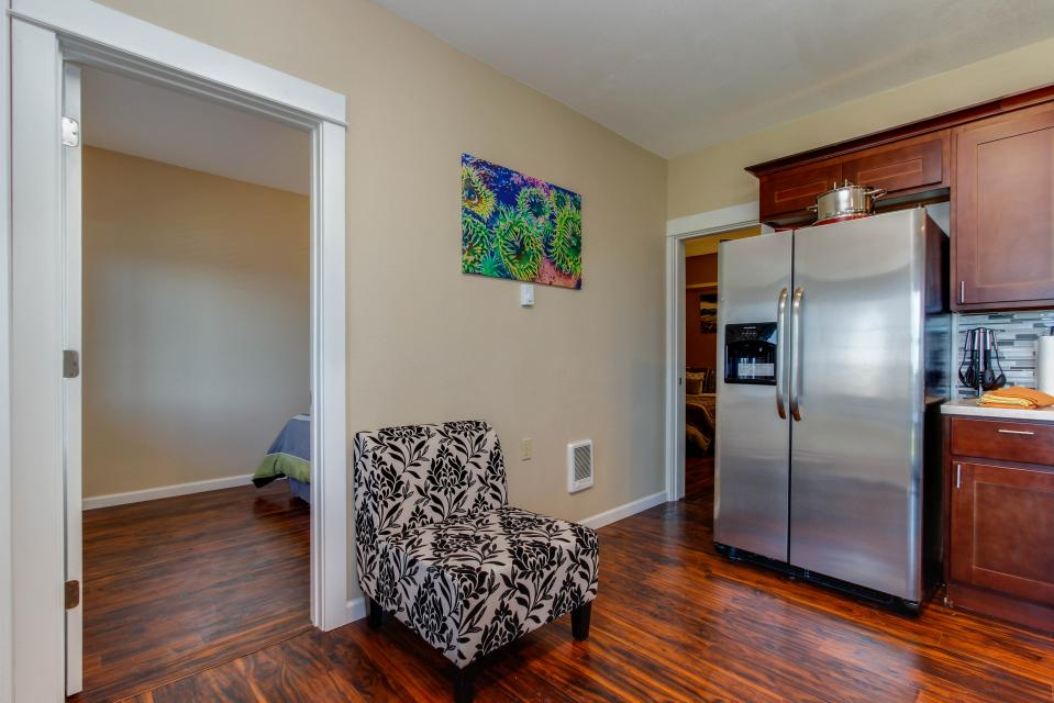 The Whale (Lower) - Lincoln City Vacation Rental - Photo 4