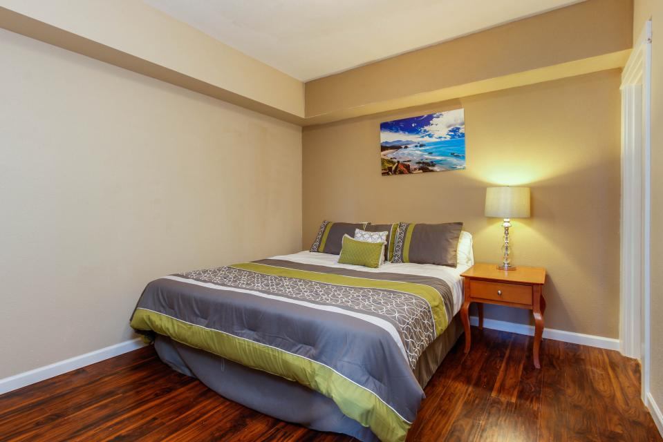 The Whale (Lower) - Lincoln City Vacation Rental - Photo 12