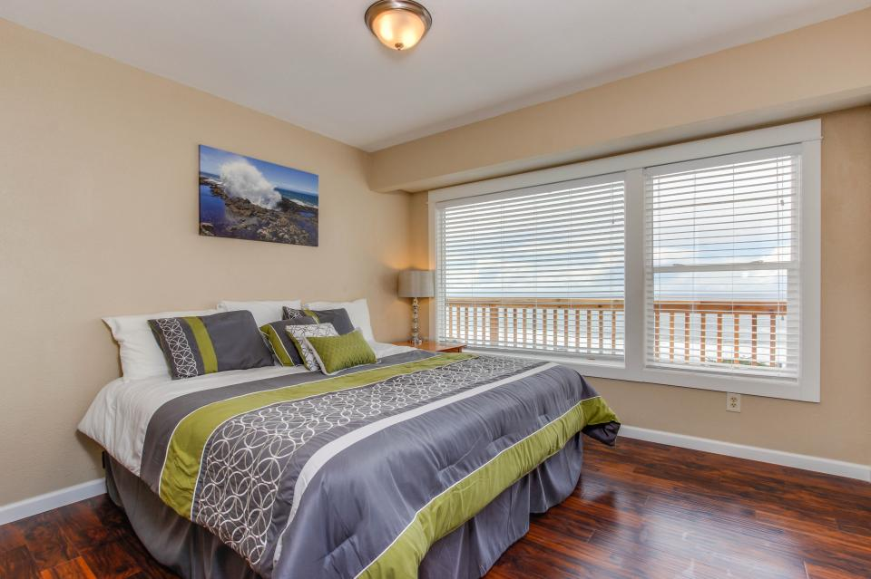 The Whale - Lincoln City Vacation Rental - Photo 9