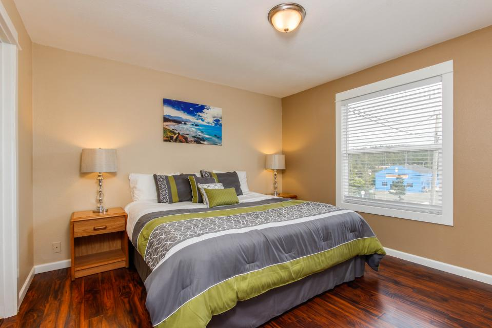 The Whale - Lincoln City Vacation Rental - Photo 13