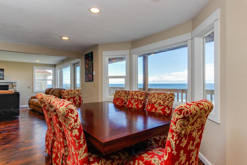 The Whale - Lincoln City Vacation Rental - Photo 17