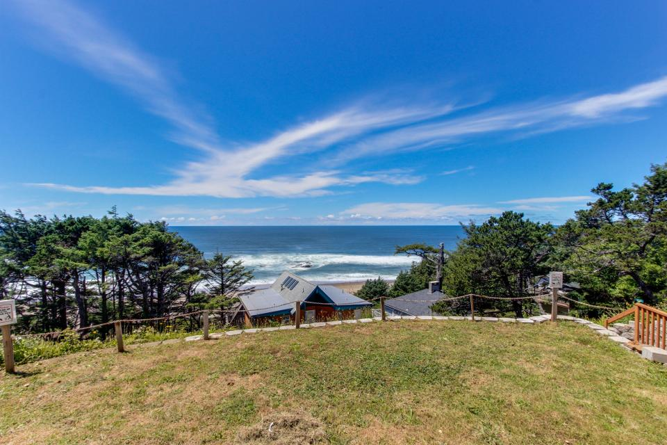 The Whale - Lincoln City Vacation Rental - Photo 38