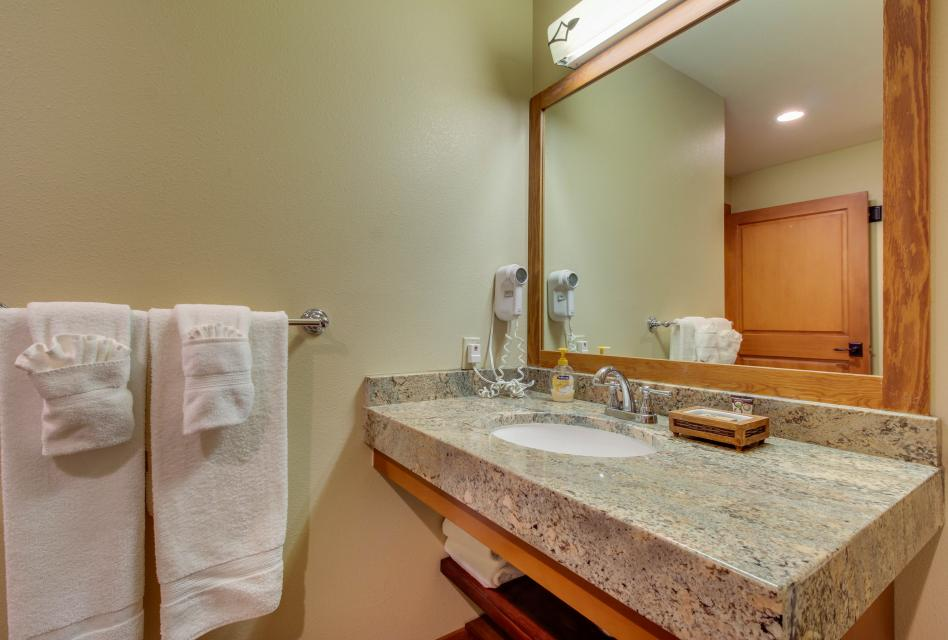 Eagle Springs East 107: Lady Fern Suite - Solitude Vacation Rental - Photo 19