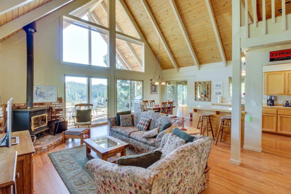 Lake View Leisure (03/211) - Groveland Vacation Rental - Photo 1