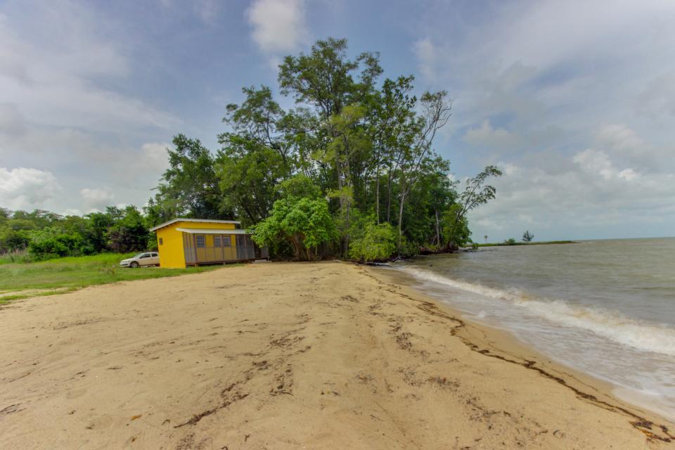 Oceanus Cabanas - Dangriga Vacation Rental - Photo 26