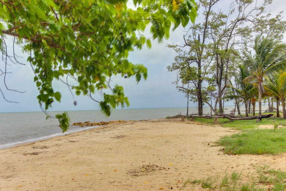Oceanus Cabanas - Dangriga Vacation Rental - Photo 29