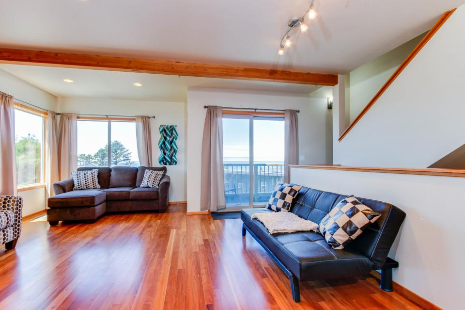 Just Beachy! - Depoe Bay - Take a Virtual Tour