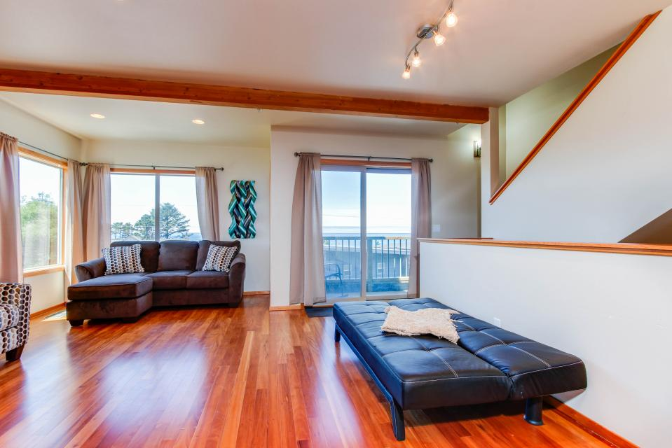 Just Beachy! - Depoe Bay Vacation Rental - Photo 6