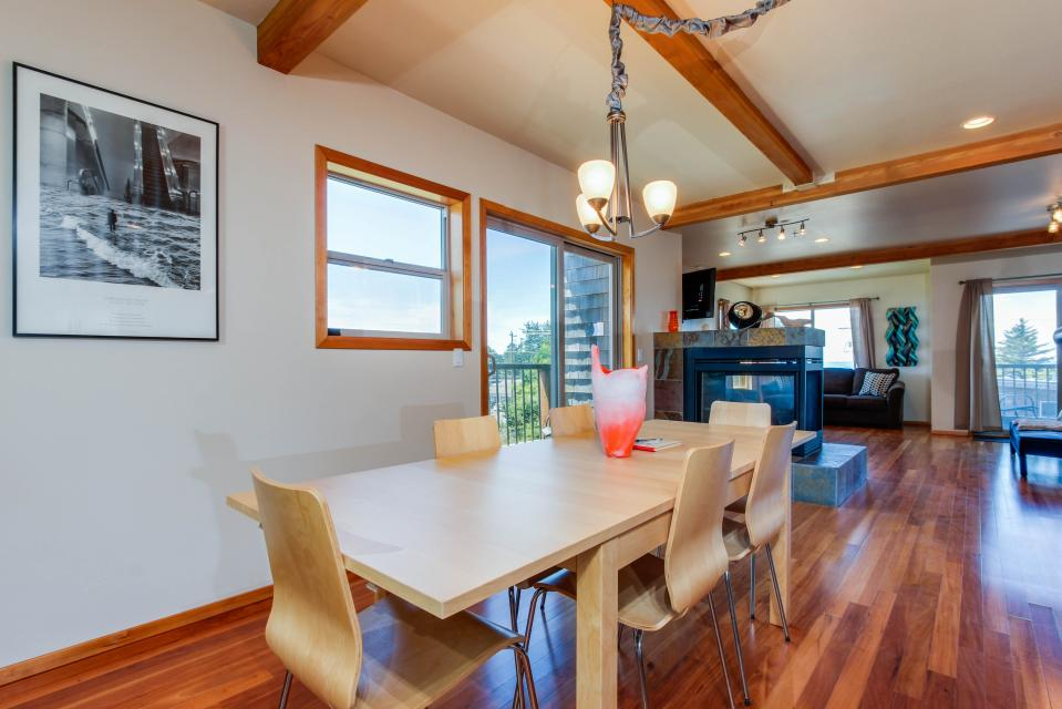 Just Beachy! - Depoe Bay Vacation Rental - Photo 11